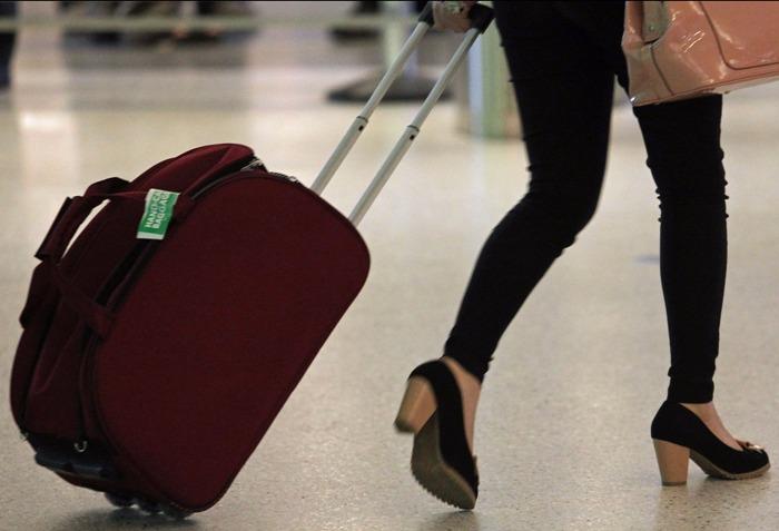 В аэропорту. Пассажиров Трансаэро будут перевозить до 15 декабря